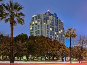洛杉磯北部/格蘭岱爾希爾頓飯店 Hilton Los Angeles North/Glendale