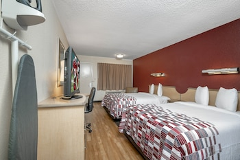 Deluxe Room, 2 Double Beds (Smoke Free)