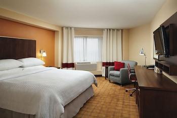 Four Points by Sheraton Niagara Falls Fallsview - Guestroom  - #0