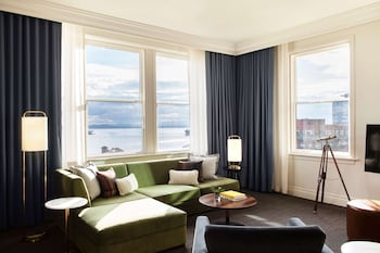 Sound View One Bedroom Suite