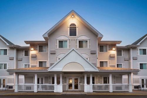 . Travelodge Suites by Wyndham Moncton