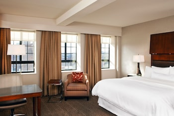 Room, 1 King Bed, Non Smoking, City View (Preferred)