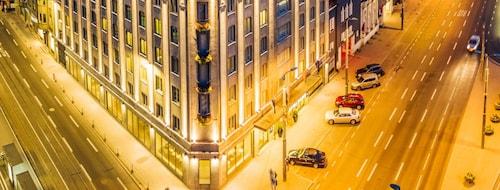 . Hotel Palace