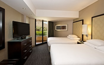 Suite, 2 Double Beds, Pool View
