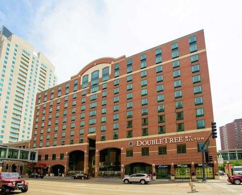 . DoubleTree by Hilton Hotel Rochester - Mayo Clinic Area