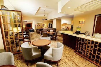 Suite, 1 King Bed, Business Lounge Access