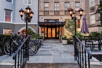 Hotel - Embassy Inn