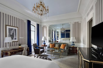 Grand Room, 1 King Bed (Grand Luxe)