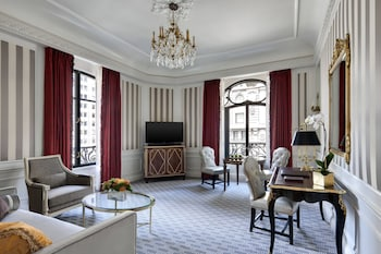 Suite, 1 King Bed (Fifth Avenue)