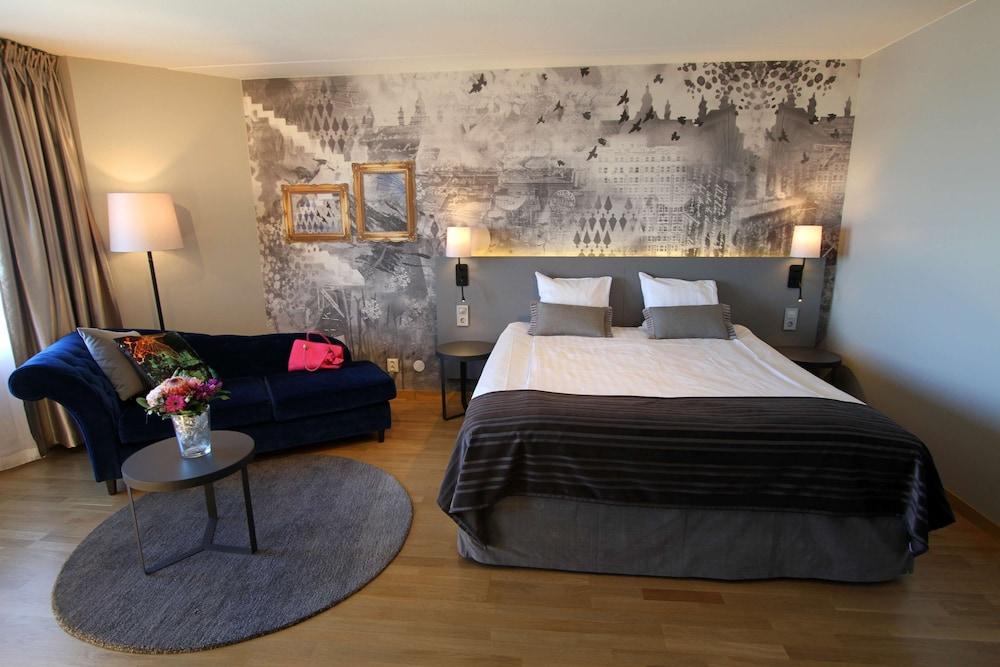 https://i.travelapi.com/hotels/1000000/10000/6400/6372/9f149856_z.jpg