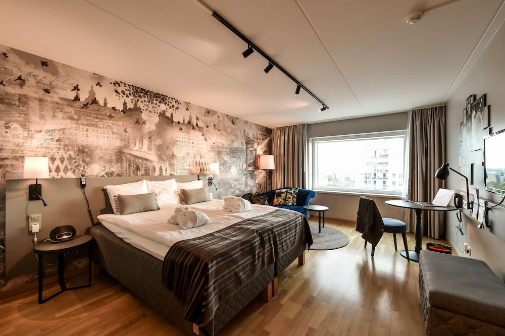 https://i.travelapi.com/hotels/1000000/10000/6400/6372/fa66d1b5_z.jpg