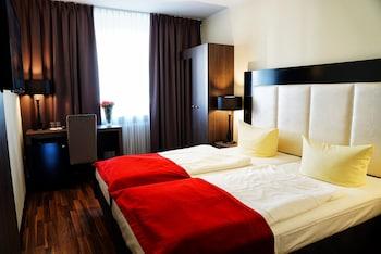 Hotel - Admiral Hotel