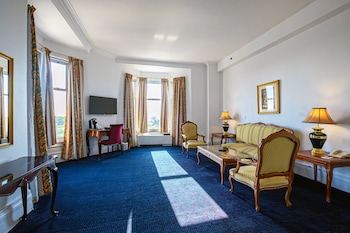 Standard Suite, 1 King Bed, Lakeside
