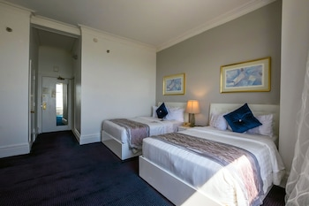 Standard Room, 2 Double Beds, Lake View