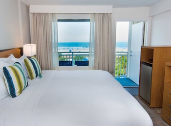 1 King Bed Oceanview