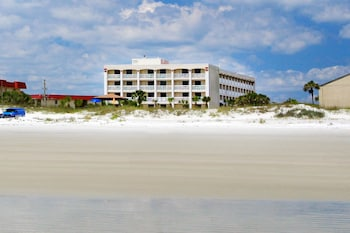 Hotel - Guy Harvey Resort on St Augustine Beach
