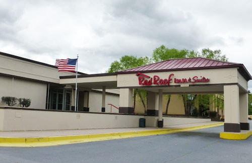 . Red Roof Inn & Suites Anderson, SC