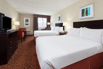 Guestroom at Holiday Inn Express Philadelphia NE - Bensalem in Bensalem