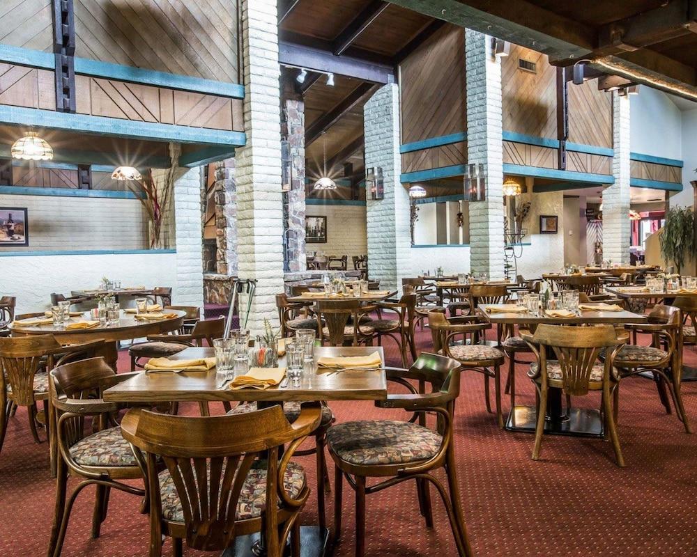 퀄리티 인 & 스위트(Quality Inn & Suites) Hotel Image 50 - Restaurant