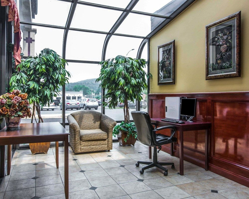 퀄리티 인 & 스위트(Quality Inn & Suites) Hotel Image 60 - Business Center