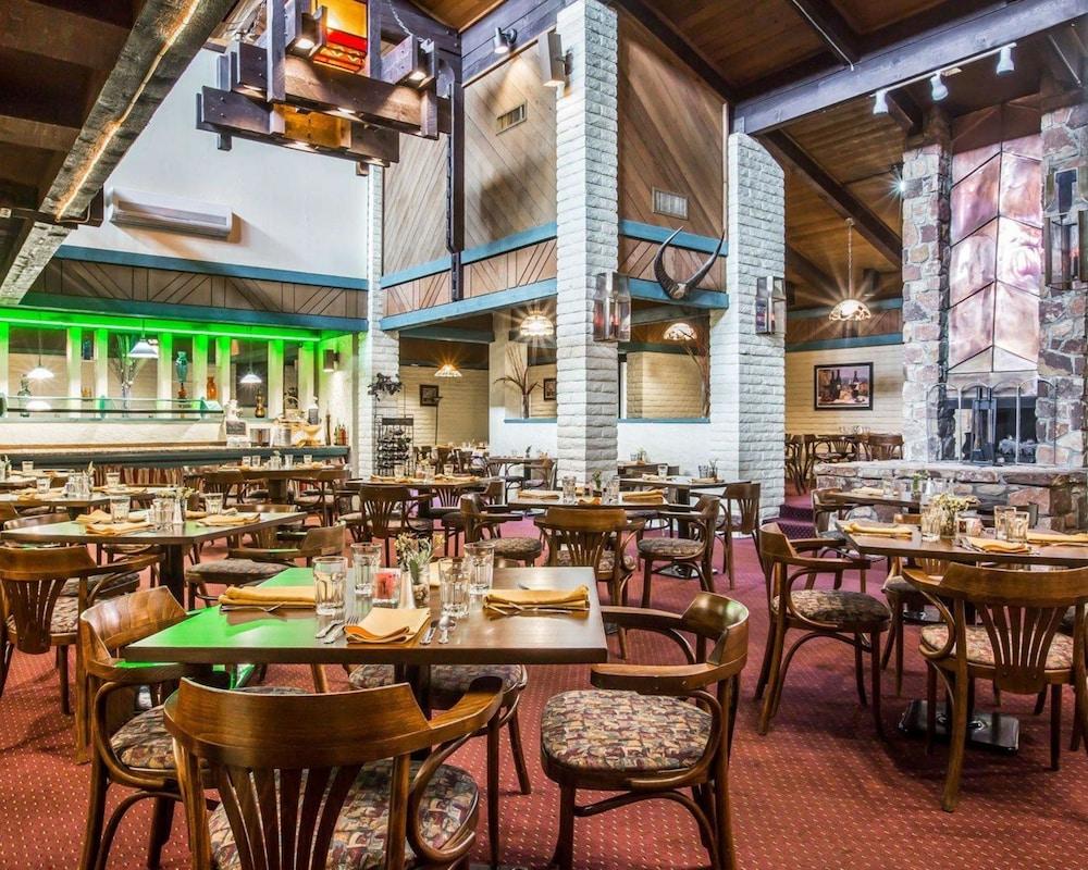 퀄리티 인 & 스위트(Quality Inn & Suites) Hotel Image 51 - Restaurant