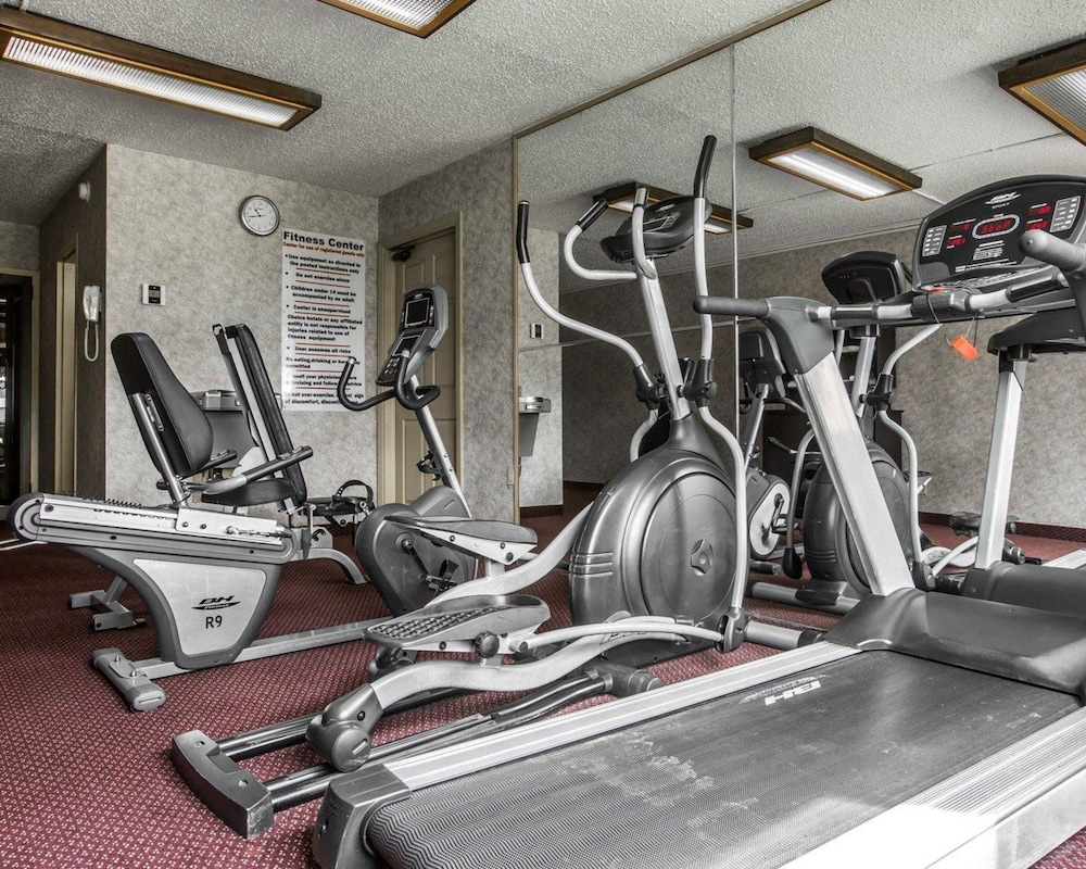 퀄리티 인 & 스위트(Quality Inn & Suites) Hotel Image 40 - Fitness Facility
