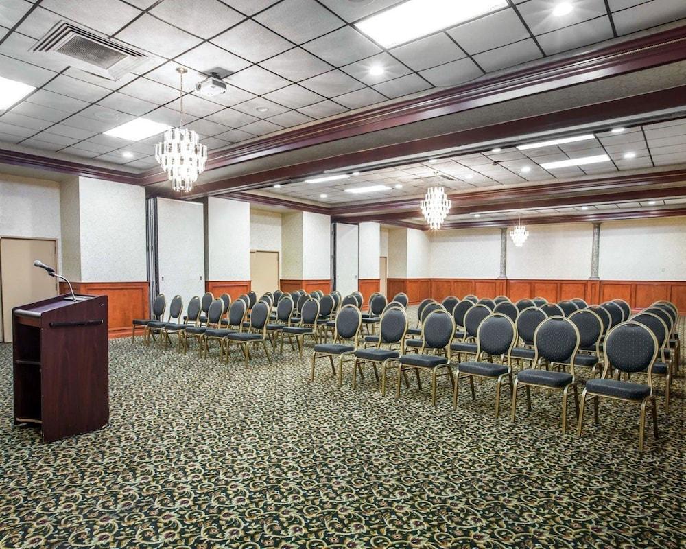 퀄리티 인 & 스위트(Quality Inn & Suites) Hotel Image 58 - Meeting Facility