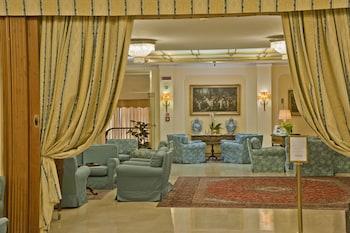 Napoleon Hotel - Lobby Sitting Area  - #0