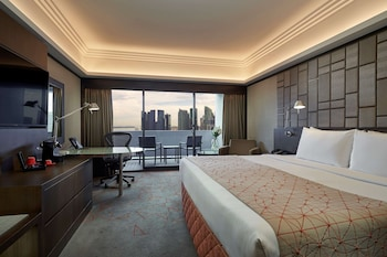 Pacific Harbour Room