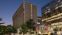 Crowne Plaza Crystal City-Washington, D.C., an IHG Hotel