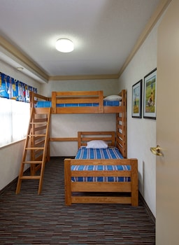 Family Suite, 2 Bedrooms, Non Smoking, Refrigerator & Microwave (with Sofabed;Bunk beds)