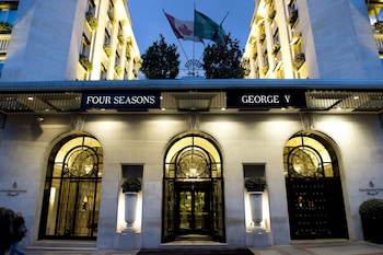 Hotel - Four Seasons Hotel George V, Paris