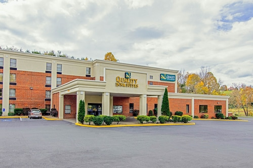 . Quality Inn & Suites Lexington near I-64 and I-81