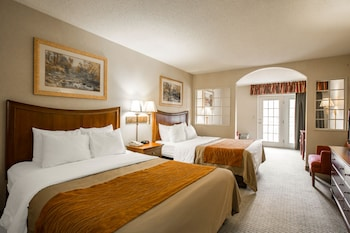 Standard Room, 2 Queen Beds, Non Smoking, Balcony