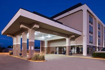 維多利亞新式套房飯店 New Victorian Inn & Suites