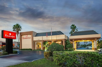 Hotel - Ramada by Wyndham Orlando Florida Mall