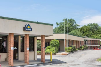 Days Inn by Wyndham Bedford