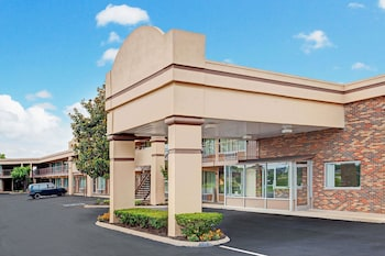 Hotel - Days Inn by Wyndham Clarksville TN