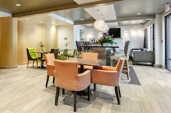 羅里中城凱富飯店 Comfort Inn Raleigh Midtown