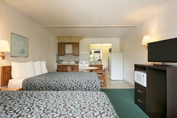 Room, 2 Double Beds, Non Smoking (Efficiency, Pool Side)