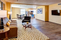 Suite, 1 Queen Bed, Non Smoking at Bigelow Hotel and Residences, Ascend Hotel Collection in Ogden