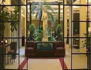 戴伯爾格洛尼飯店