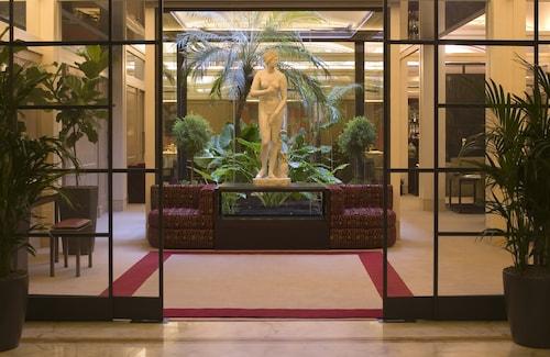 . Dei Borgognoni Hotel