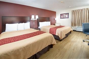 Deluxe Room, 2 Queen Beds, Smoke Free