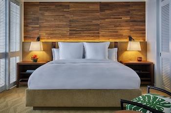 Junior Suite, 1 King Bed (Resort)