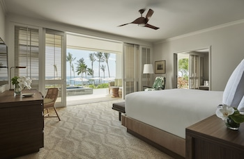 Suite, 1 King Bed (Pacific)