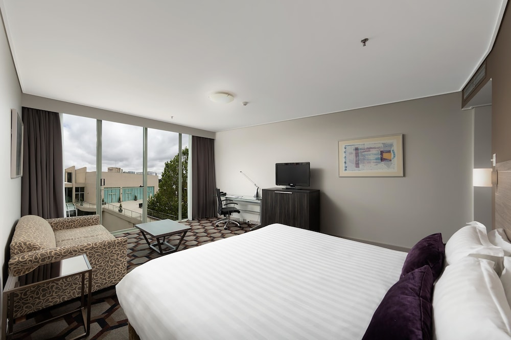Rydges Capital Hill, Forrest