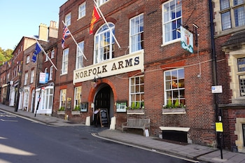 Hotel - Norfolk Arms Hotel