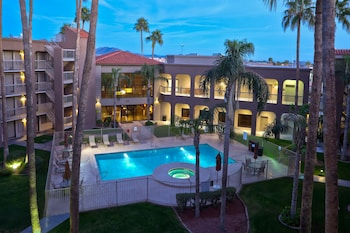 Hotel - Best Western Plus Scottsdale Thunderbird Suites