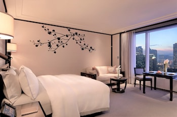 Grand Deluxe Room - King